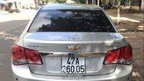 Bán Chevrolet Cruze sản xuất năm 2013, màu bạc xe gia đình, giá 370tr