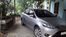 Cần bán xe Toyota Vios MT đời 2015, màu bạc, xe đẹp