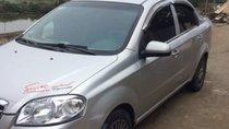 Cần bán gấp Daewoo Gentra đời 2010, màu bạc xe gia đình