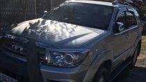 Cần bán Toyota Fortuner 2011, màu bạc, 670tr