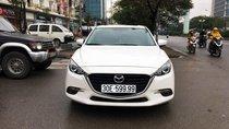 Bán Mazda 3 1.5 AT đời 2018, màu trắng đẹp như mới