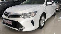 Bán Toyota Camry 2.0 E năm 2016, màu trắng