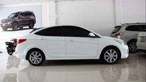 Bán xe Hyundai Accent AT sản xuất 2014, màu trắng