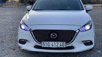 Bán Mazda 3 năm sản xuất 2017, màu trắng