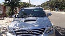 Cần bán Toyota Fortuner 2.5G sản xuất 2015, màu bạc còn mới