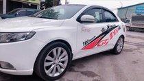 Bán xe Kia Forte đời 2011 số sàn, hồ sơ cầm tay vào tên trong ngày