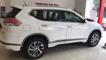 Bán xe Nissan X trail 2.0 Premium 2018, màu trắng, giá chỉ 880 triệu