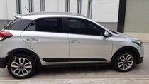 Cần bán Hyundai i20 Active năm sản xuất 2015, màu bạc, xe nhập