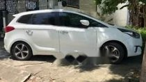 Bán gấp Kia Rondo GAT đời 2015, màu trắng số tự động