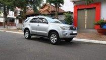 Cần bán Toyota Fortuner G 2010, màu bạc