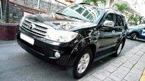 Cần bán Toyota Fortuner AT đời 2012, màu đen, xe chính chủ, 588tr