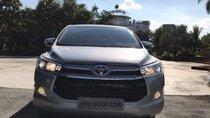 Cần bán lại xe Toyota Innova 2.0V năm sản xuất 2017