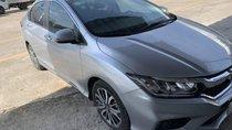 Bán xe Honda City Top đời 2017, màu bạc xe gia đình, giá 580tr