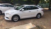Hyundai Accent màu trắng số sàn xe giao ngay, hỗ trợ vay 85%, lãi suất ưu đãi. LH: 0903175312