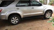 Bán Toyota Fortuner năm sản xuất 2009, xe gia đình sử dụng, không va quẹt