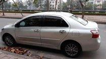 Cần bán Toyota Vios 2013, màu bạc, 355triệu
