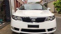 Cần bán lại xe Kia Forte sản xuất năm 2011, màu trắng xe gia đình
