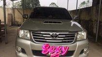 Cần bán xe Toyota Hilux 2014, màu bạc, nhập khẩu nguyên chiếc, giá chỉ 450 triệu