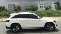 Cần bán xe Mercedes GLC250 4Matic sản xuất năm 2017, màu trắng, nhập khẩu