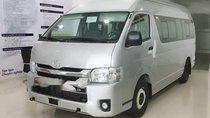 Cần bán xe Toyota Hiace đời 2018, màu bạc