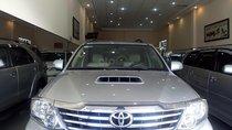 Cần bán lại xe Toyota Fortuner 2.4G sản xuất 2014, màu bạc đẹp như mới