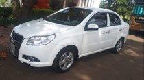 Cần bán Chevrolet Aveo đời 2014, màu trắng, giá tốt