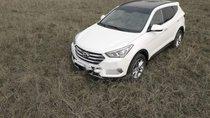Cần bán gấp Hyundai Santa Fe năm 2017, màu trắng