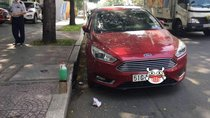 Cần bán xe Ford Focus Titanium năm sản xuất 2016, màu đỏ