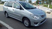 Cần bán Toyota Innova E MT sản xuất năm 2013, màu bạc