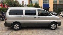 Cần bán xe Hyundai Starex 2.5 AT đời 2004, màu bạc, nhập khẩu