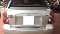 Cần bán xe Hyundai Accent sản xuất 2009, số tay, máy xăng, màu bạc, nội thất màu xám