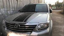 Bán Toyota Fortuner 2.7V đời 2013, màu bạc, xe gia đình