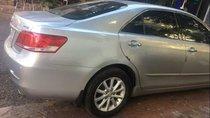 Cần bán gấp Toyota Camry 2.4AT 2010, màu bạc chính chủ