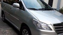 Cần bán xe Toyota Innova E cuối 2015 màu bạc