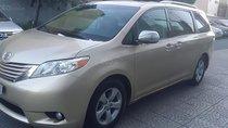 Gia đình bán xe Toyota Sienna LE 3.5 năm sản xuất 2010, màu vàng, xe nhập