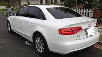 Cần bán xe Audi A4 đời 2013, màu trắng, nhập khẩu, số tự động, máy xăng, đã đi 50000 km
