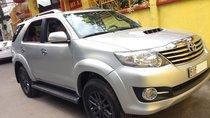 Cần bán xe Toyota Fortuner 2016 máy dầu số sàn, xe màu bạc