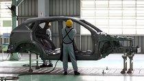 Dù muốn nhập khẩu, nhưng các hãng vẫn phải giữ ít nhất 1 mẫu ô tô lắp ráp