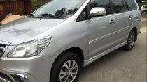 Cần bán xe Toyota Innova đời 2014, màu bạc
