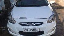 Cần bán gấp Hyundai Accent đời 2012, màu trắng, xe nhập số sàn
