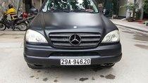 Cần bán gấp xe Mercedes ML320 sản xuất năm 2002, đăng ký lần đầu 2007, số tự động, máy xăng, màu đen