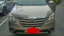 Cần bán Toyota Innova E đời 2014, màu vàng, 545tr