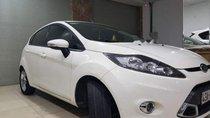 Cần bán gấp Ford Fiesta năm 2013, màu trắng, 430tr