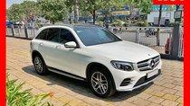 Bán xe Mercedes GLC300 trắng 2018 chính hãng, trả trước 800 triệu nhận xe với gói vay ưu đãi