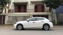 Cần bán xe Mazda 3 1.5AT đời 2017, màu trắng, giá tốt