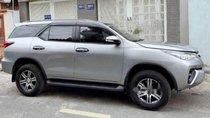 Bán Toyota Fortuner G sản xuất 2017, màu bạc, nhập khẩu nguyên chiếc số sàn