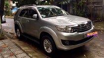 Cần bán gấp Toyota Fortuner 2.7V 4x4 AT đời 2013, xe màu bạc