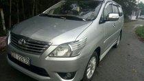 Cần bán xe Toyota Innova sản xuất năm 2008, màu bạc xe gia đình