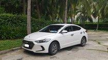 Cần bán gấp Hyundai Elantra năm 2017, màu trắng chính chủ, giá 525tr