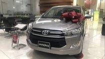 Cần bán gấp Toyota Innova 2.0E đời 2019, màu bạc, 771tr